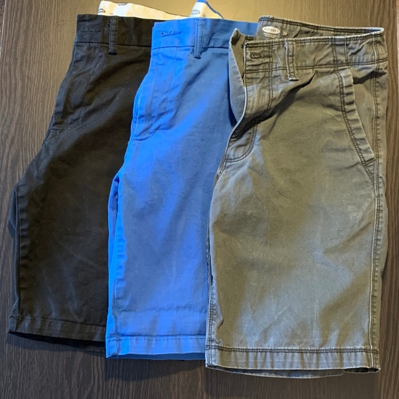 ccf39cdd430 lot of 3 Mens Old Navy Shorts size 28